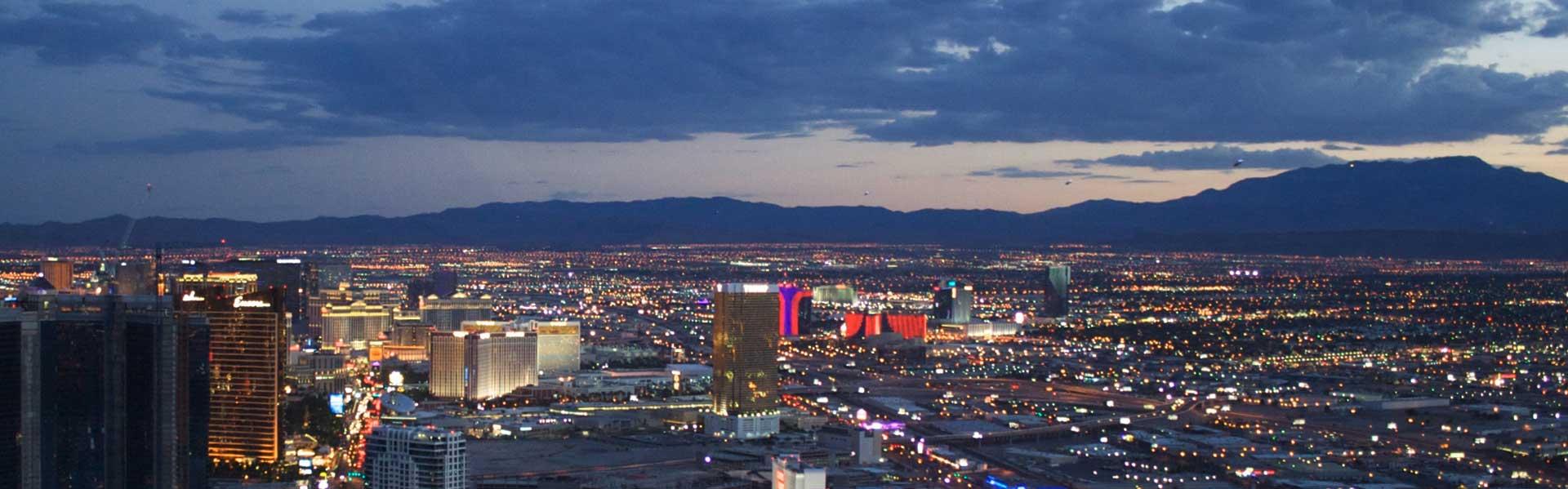 Vegas Nachtrundflug